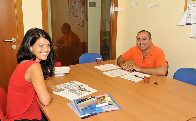 Come to Spain and have a good time with Barcelona Spanish courses in the best language school