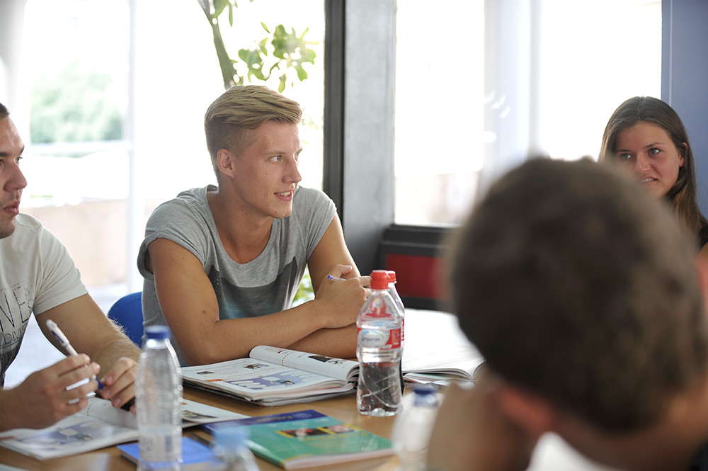Language courses Spanish in classes with around five to ten students